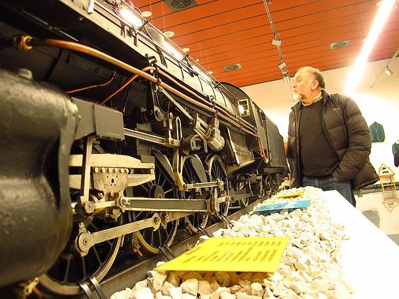 Locomotora de vapor a escala