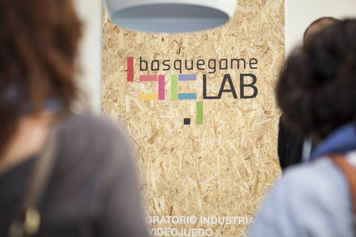 Tecnología del videojuego aplicada a la industria