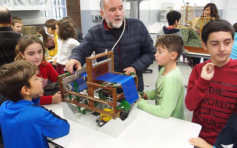 Alumnos y alumnas interesados por la Invención de Juanelo
