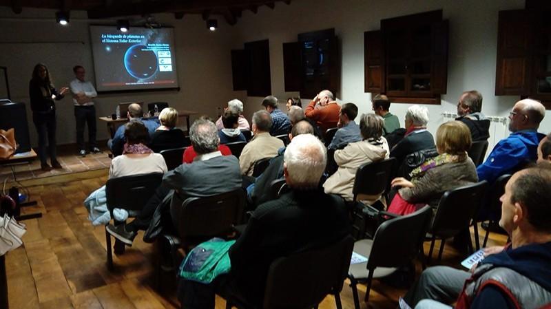 Ricardo Hueso ha departido sobre 'La busqueda de planetas en el sistema solar exterior'